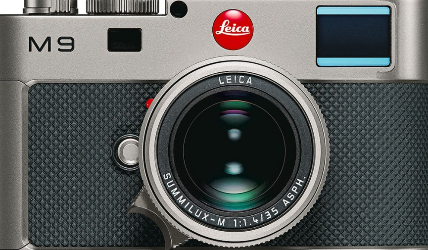 Mirrorless Camera Cover Image