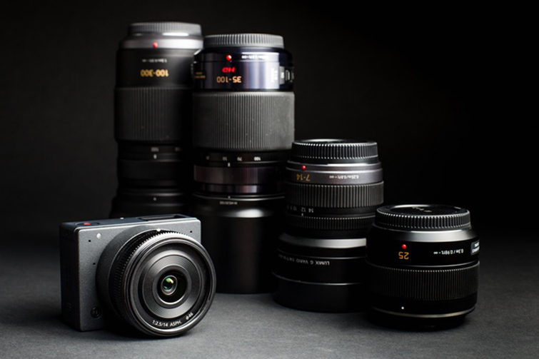 E1 Camera and Lens
