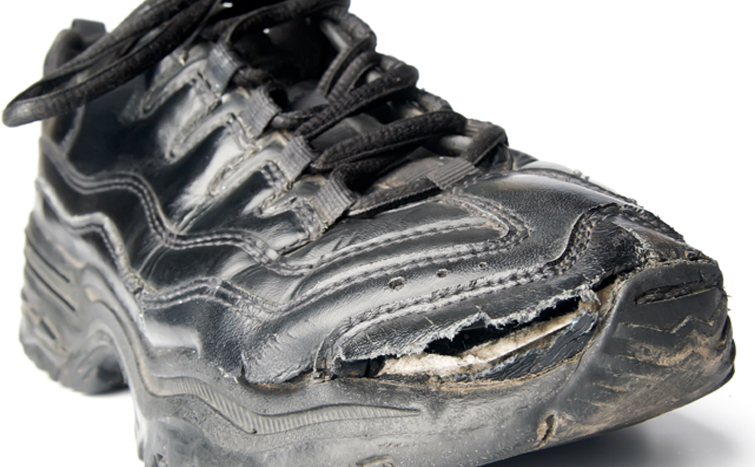 7 Creative Things to Do With Gaff Tape: Fix Your Shoe!