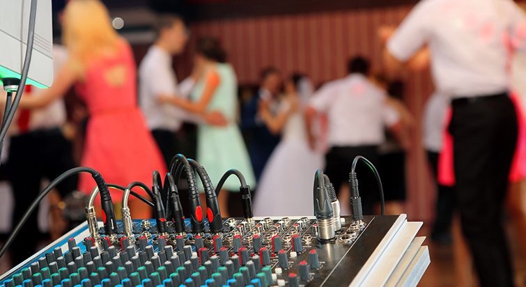 How to Find the Right Music for Wedding Videos: Music that fits the couple