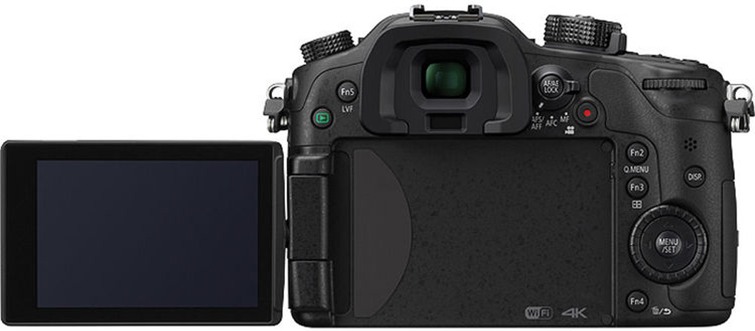 Have Mirrorless Cameras Killed the DSLR? gh4 back
