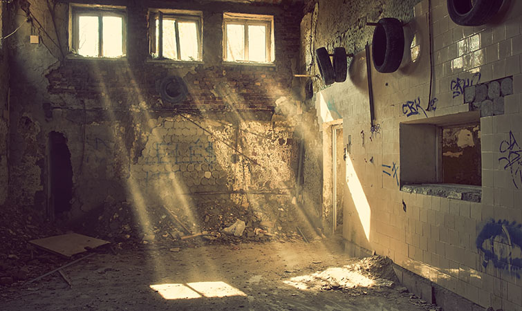 Guerrilla Shooting Locations: filming in abandoned building
