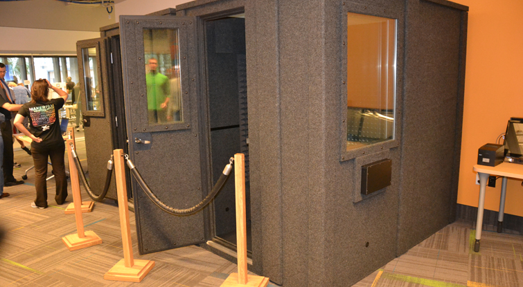 How To Turn A Closet Into A Diy Sound Booth Portable Sound Booth Image From Melrose Center