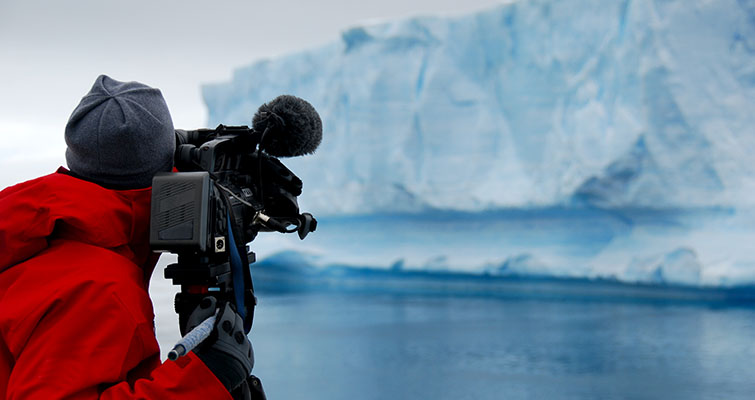 A Complete Guide to Documentary Filmmaking - Plan Wisely
