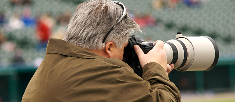 Choosing the Right Lens For Shooting Live Sports: Zoom Lens