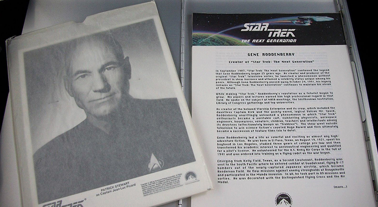 How to Create a Dynamic Press Kit - Star Trek Press Kit