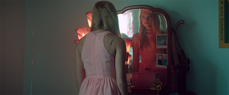 How Filmmakers Manipulate Your Emotions with Color: It Follows