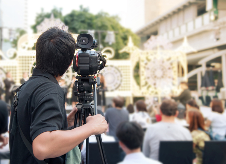 Production Tips for Mixing Digital Camcorder and DSLR Footage — Pick the Right Camera