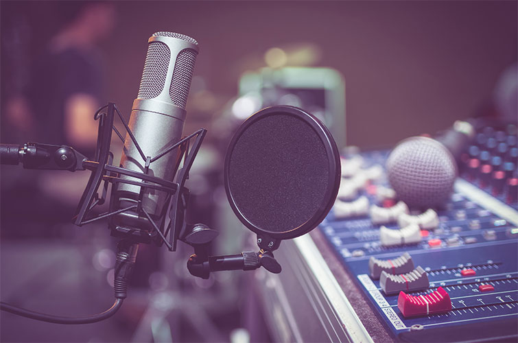7 Tips for Working with Voice-Over in Corporate Video Projects — Online Services