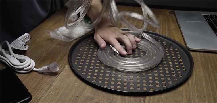 7 DIY Filmmaking Hacks: Creating New Lights to Building Your Own Hi-Hat — Pizza Pan Light