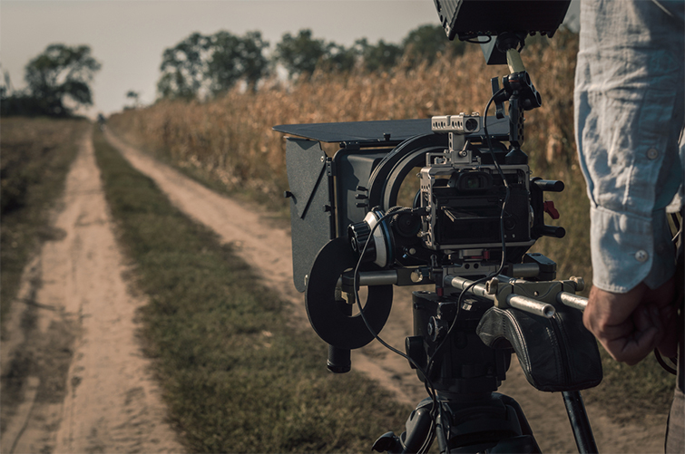 Videography Tips: What to Look for in a Good Shoulder Mount — Adjustability