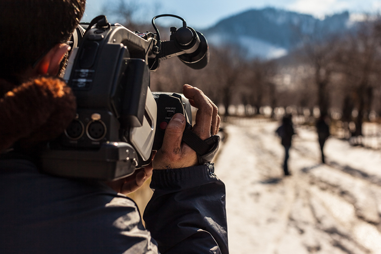 The 5 Tenets of Capturing Good B-Roll for Your Documentary — Lighting Subjects
