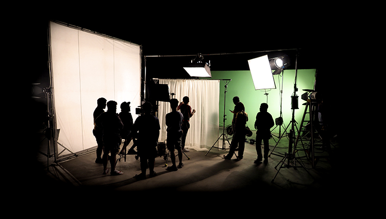 How to Shoot a Green Screen for Perfect Chroma Keying — On Set