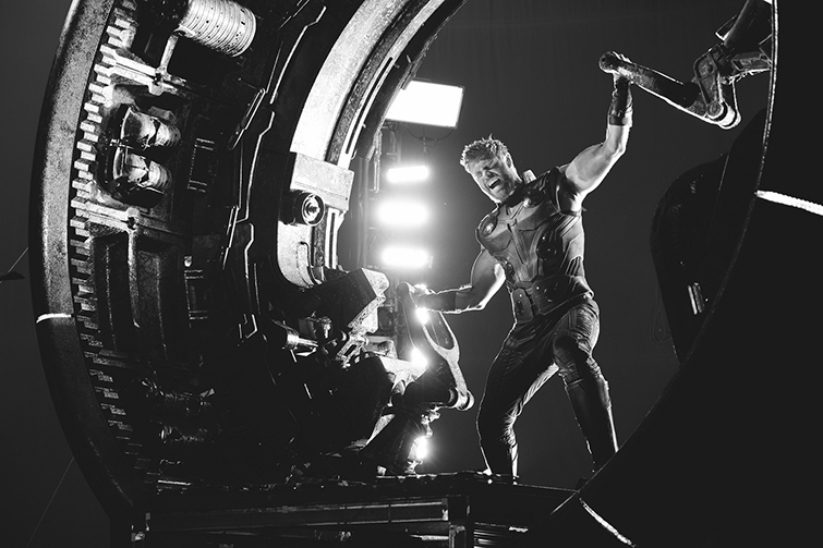The Cameras and Lenses Behind the Marvel Cinematic Universe — Phase Three - Chris Hemsworth