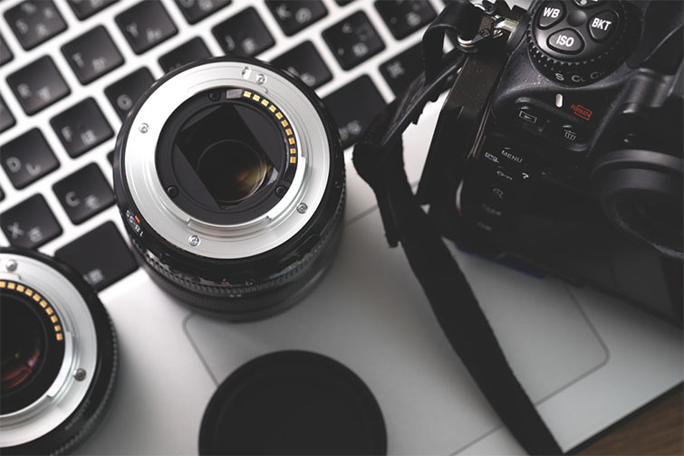 Four Reasons You Should Use (and Love) Your Camera's Stock Lens — Rent Extra Support