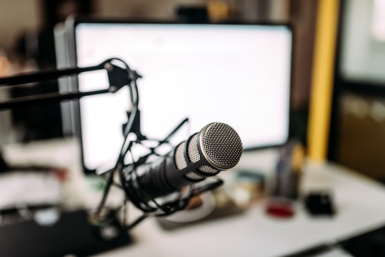 A Guide to Turning Your Podcasts into Video Podcasts — Podcast Microphone
