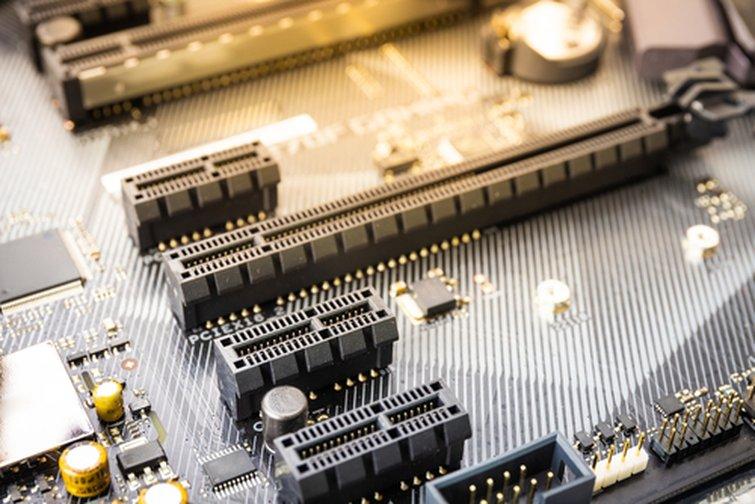 PCIe Express Port Slot