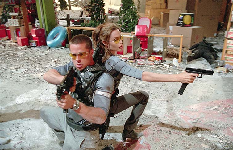 Brad Pitt and Angelina Jolie in Mr. & Mrs. Smith