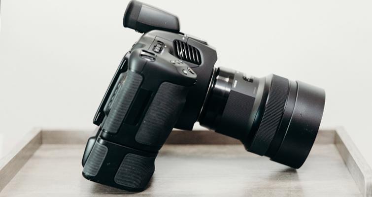 6K Pro's Battery Grip